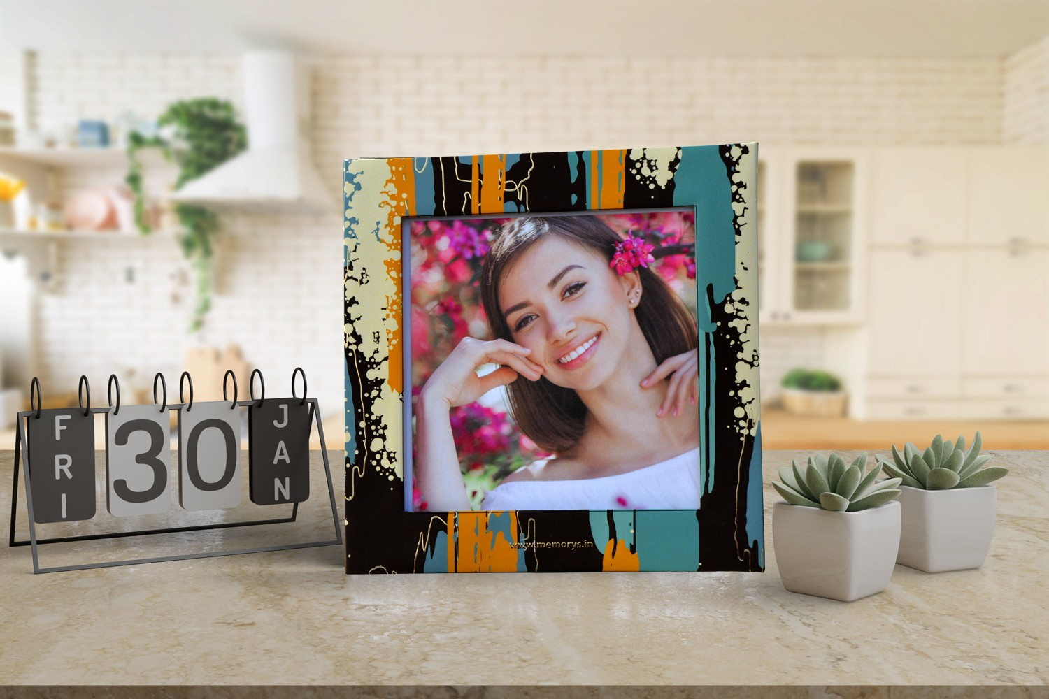 Waterfall Effect Photo Frame