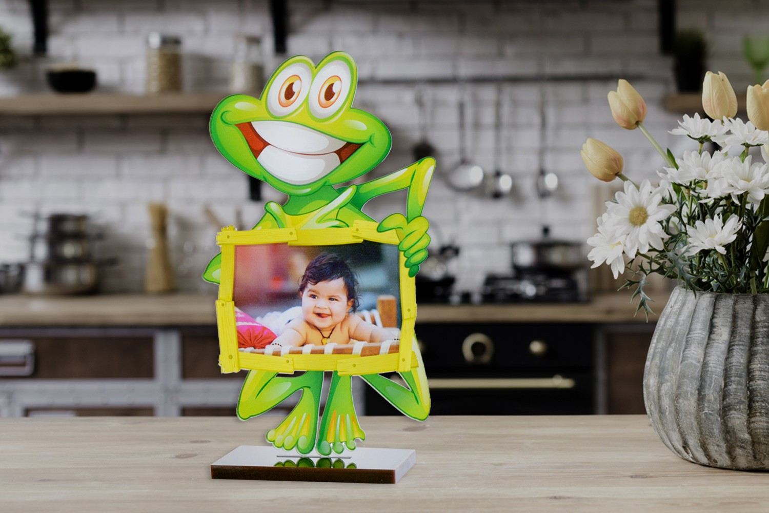 Smiling Toad Acrylic Cartoon Photo Stand