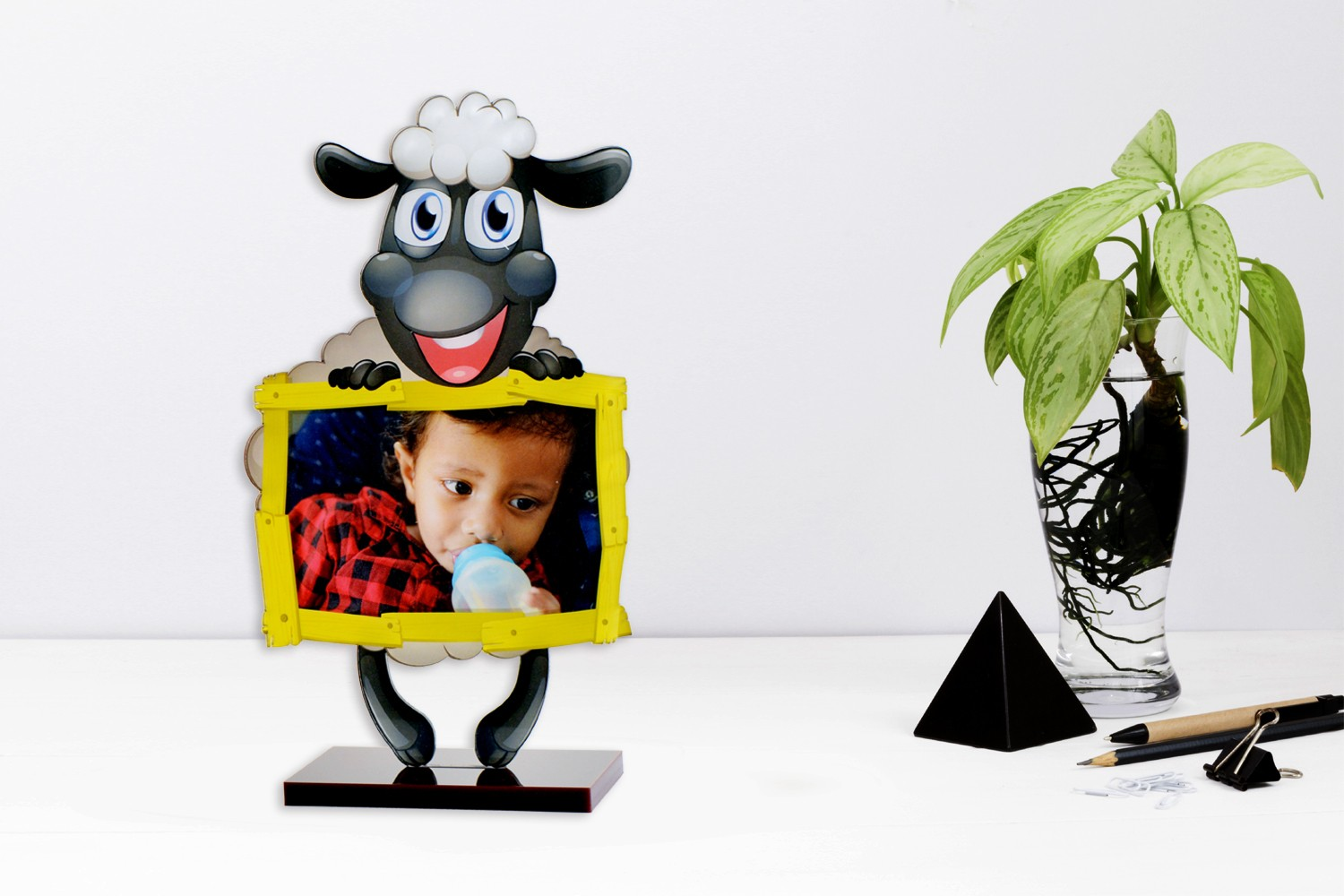 Baba Baba Black Sheep Acrylic Cartoon Photo Stand