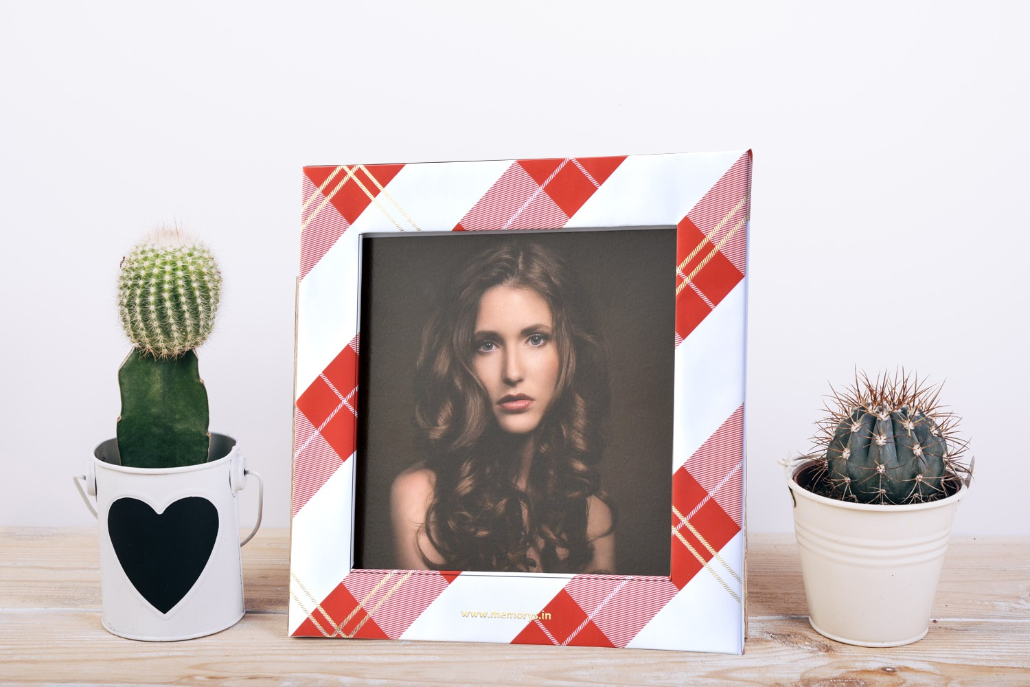 Red & White Photo Frame