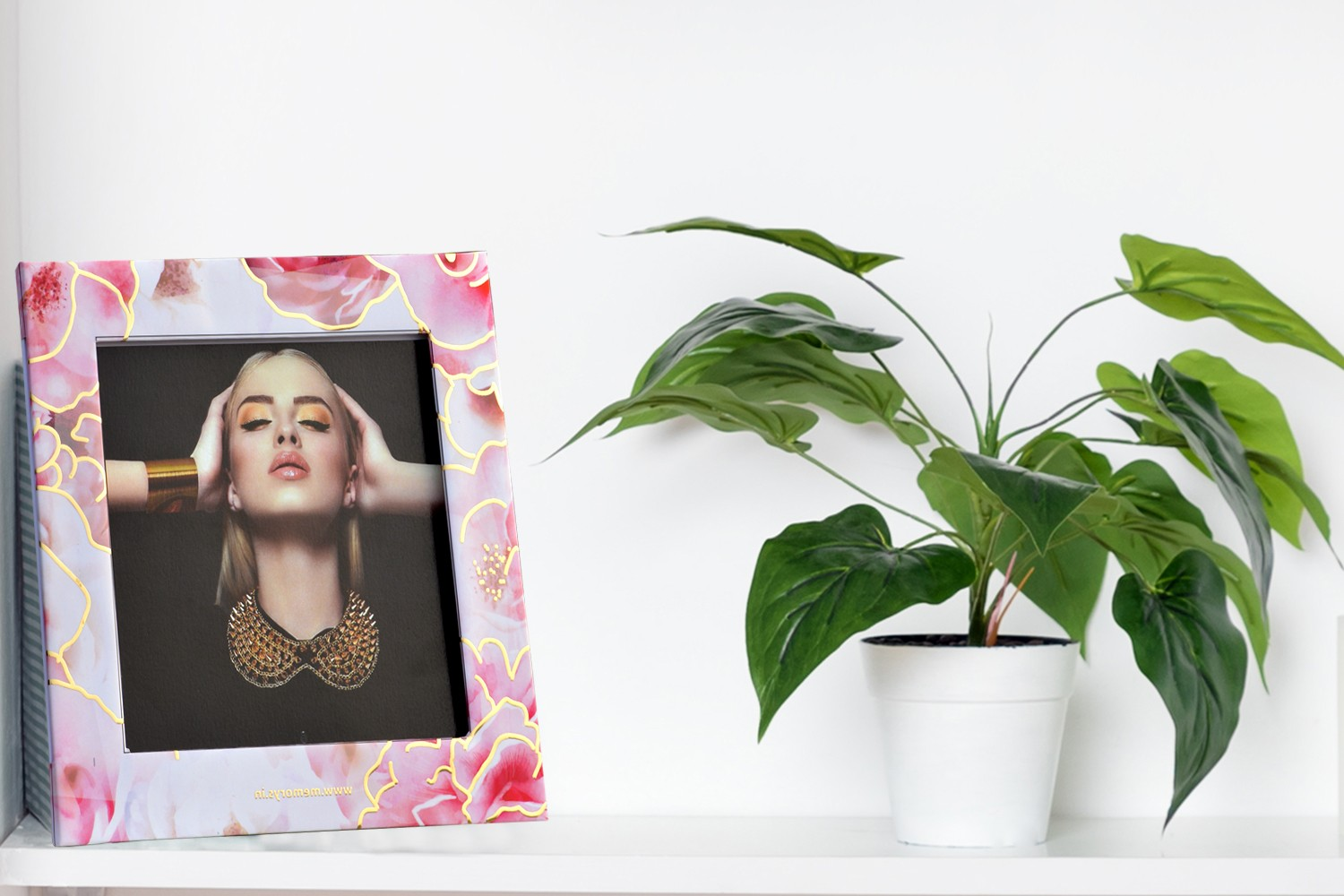 Pink and White Roses Photo Frame